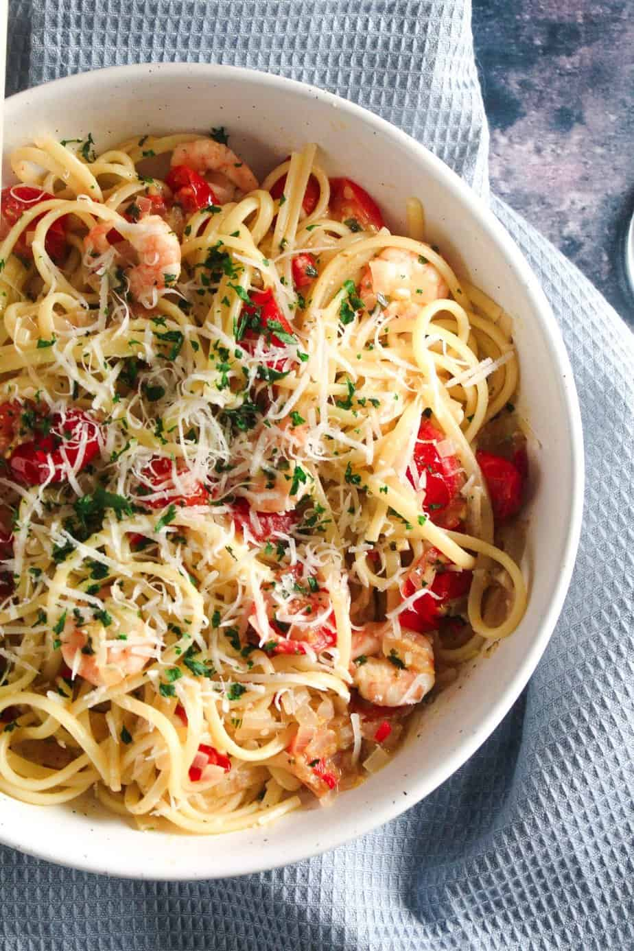 Chilli Prawn Linguine with Tomatoes and White Wine